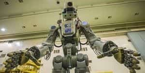 This Half-Humanoid Robot Is Going to the Moon