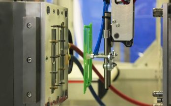 Understanding the Benefits of Reaction Injection Molding
